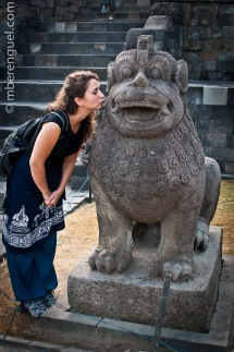 Sanna Kissing the Watchdog